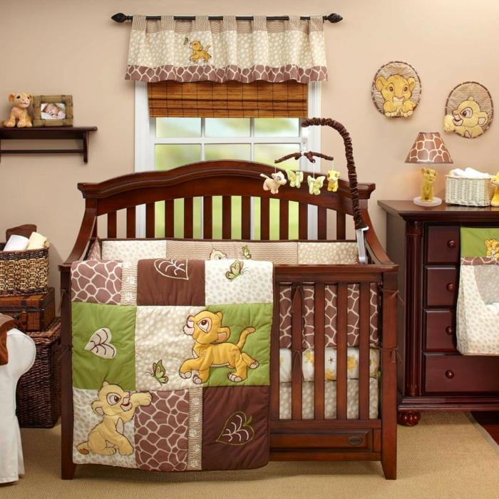 decoracion habitacion bebe, litera y armario de madera oscura, decoración con Simba