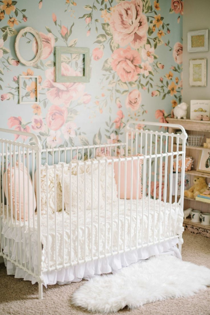 1001 ideas para decorar habitaciones infantiles - Papel pintado habitacion bebe ...