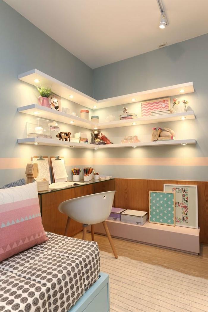 dormitorios juveniles, habitación moderna, estanterías con luces, escritorio y silla, sofá con cojín