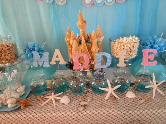 fiesta facil, decoracion de cumpleaños para niña con estrellas del mar, castillo y sirenita