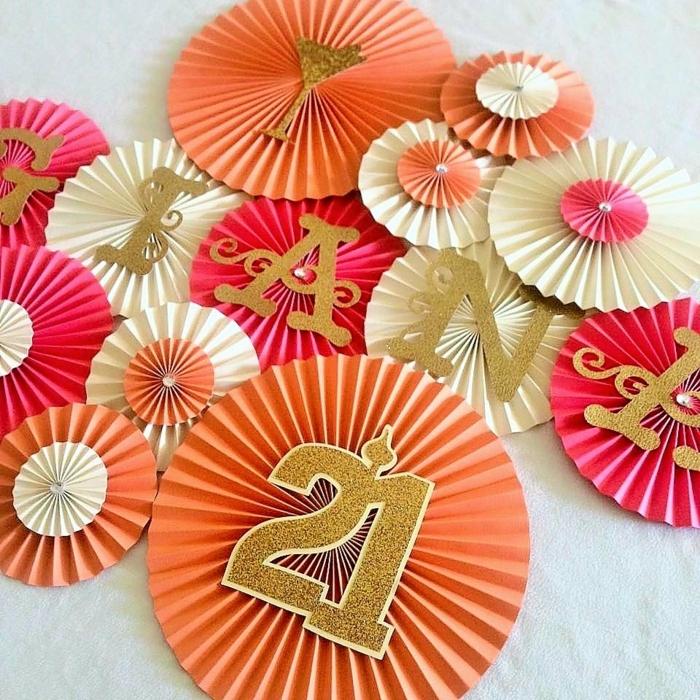 fiesta facil, decoracion de cumpleaños con guirnaldas con nombre y edad