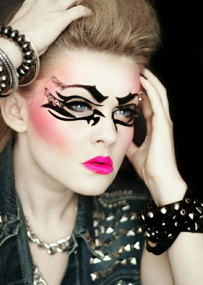 maquillaje bruja, ideas para halloween 2017, bruja en estilo punk, decoración con gel delineador