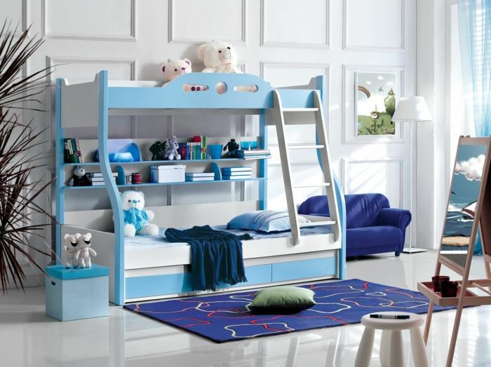 decoracion de habitaciones juveniles, habitación con litera doble azul, peluches y cojines, tapete y sillón