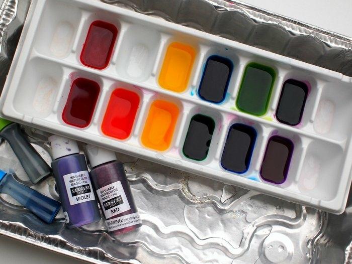 manualidades faciles da hacer, cubos de hielo en colores, pintura de agua