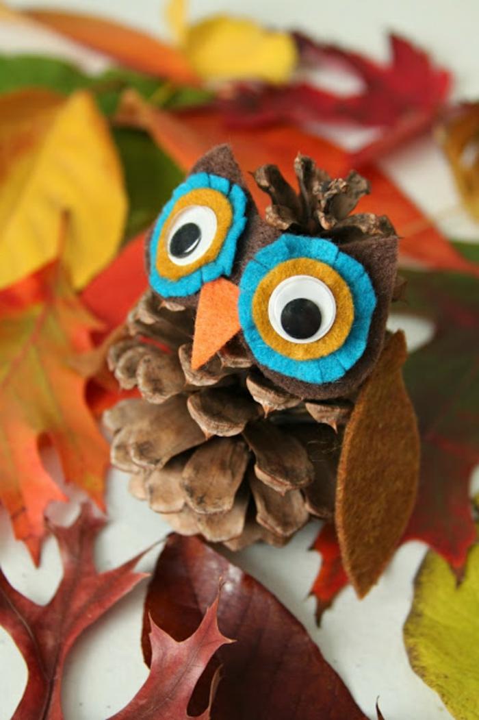 manualidades faciles para hacer en casa, buhó de otoño, piña decorada