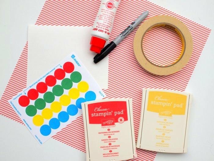 manualidades faciles, todo lo que necesitas para esta manualidad, estampados de colores