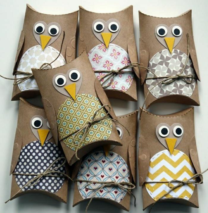 adornos navideños, adornos elaborados de cartón, en forma de buhó
