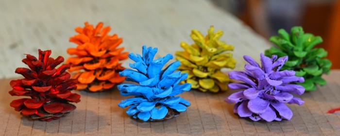 como hacer manualidades, piñas en diferentes colores, pintura de agua
