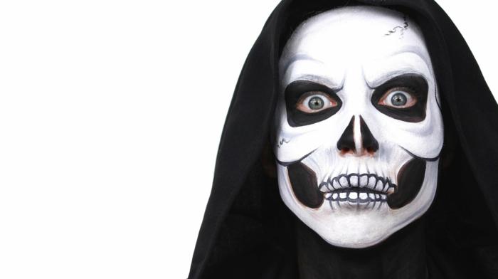 maquillaje halloween niños, cara maquillada como calavera horrorosa