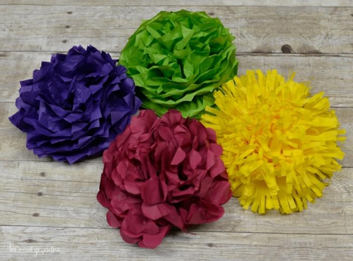 plantilla sde flores, flores de papel crêpe en verde, amarillo y rojo
