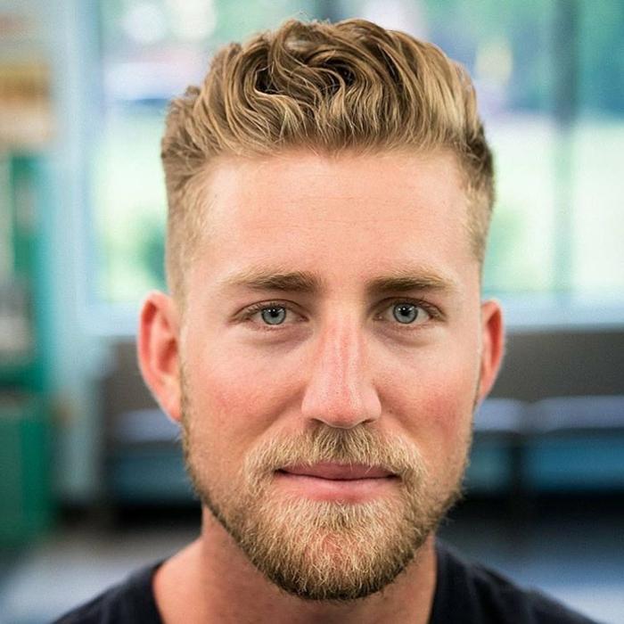 cortes de pelo hombre, peinado para pelo grueso rizado, más cabello en la parte superior