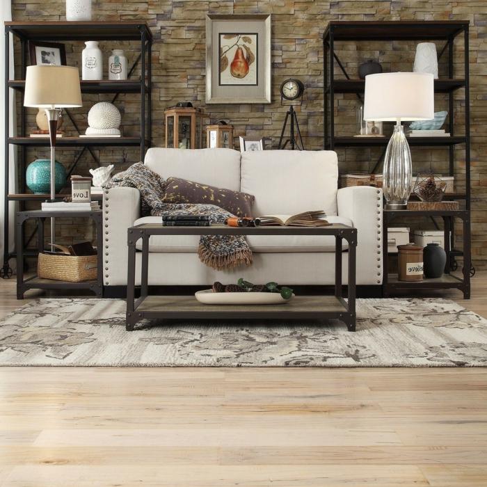 decoracion salones pequeños, salón simétrico con dos estanterías, tapete y mesa rectangular, sofá beige y pared de ladrillo con reloj y cuadro
