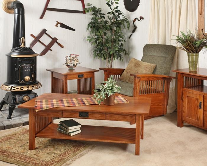 como decorar un salon, mesa de madera, chimenea rústica, planta verde, libros y decoracion con utensilios