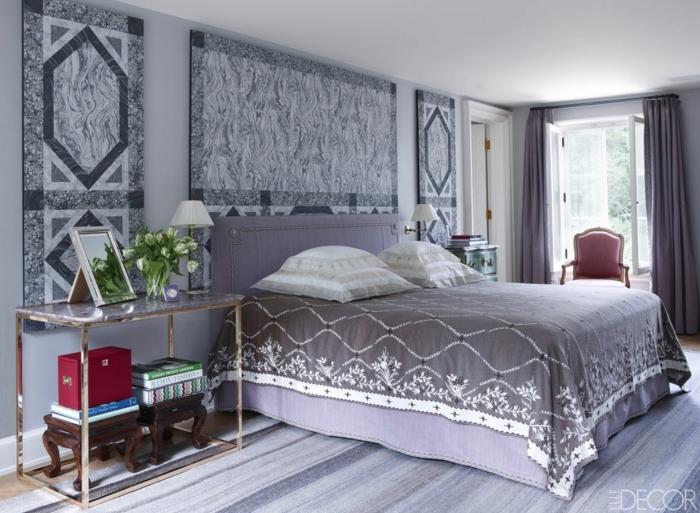 cortinas dormitorio, cortinas en lila de algodón, decoración en morado para toda la habitación, mesilla de noche de mármol