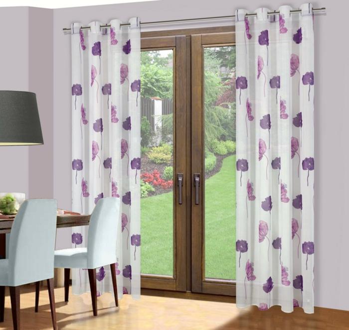 cortinas juveniles, adecuados para la cocina o el comedor, cocinas románticas en estampas de flores en lila, puerta de madera