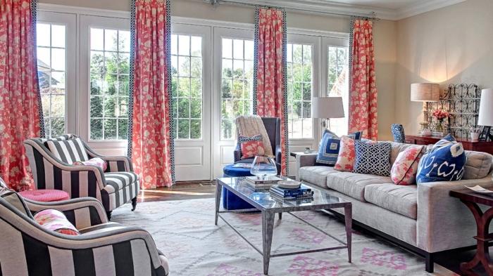 cortinas salon, print en tendencia en rojo y blanco, ideas para refrescar el estilo del salón, sillones de rayas en blanco y negro