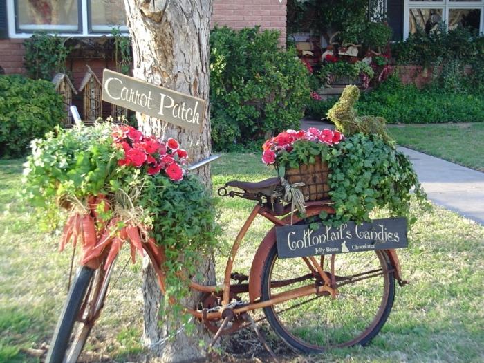 diseño de jardines, usa tu bicicleta vieja para crear una hermosa decoración para tu patio estilo provenzal, decoración de petunias