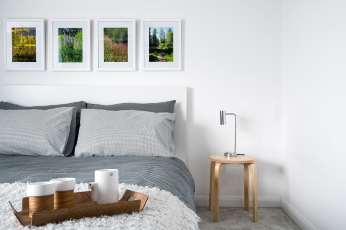 1001 ideas sobre decoraci n dormitorios estilo moderno for Mesita noche redonda