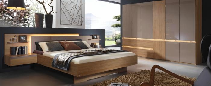 como decorar una habitacion, dormitorio moderno en marrón, cama doble, ventanal y cabecero integrado
