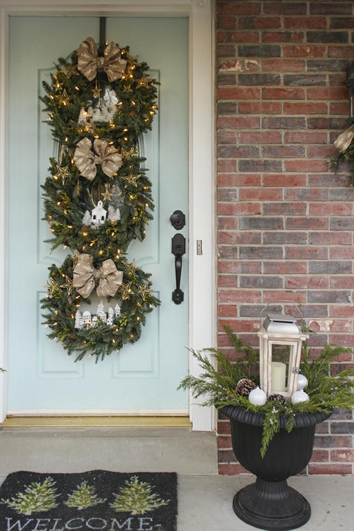 1001 ideas de coronas de navidad con instrucciones paso for Arreglo para puertas de navidad