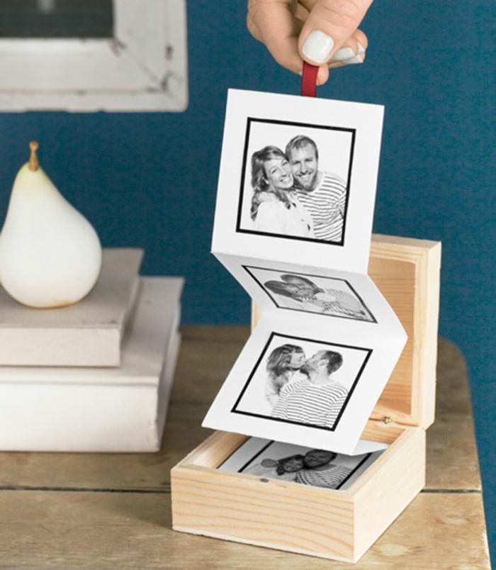 regalos de san valentin, regalo con cajita de madera y albúm de fotos plegable, fotos de pareja en blanco y negro