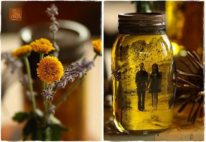 regalos de san valentin, regalo romántico, decoración con flores y tarro de cristal con foto de pareja en aceite vegetal
