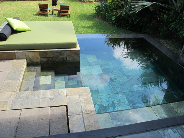 1001 ideas de piscinas peque as para tu patio for Piscina obra pequena