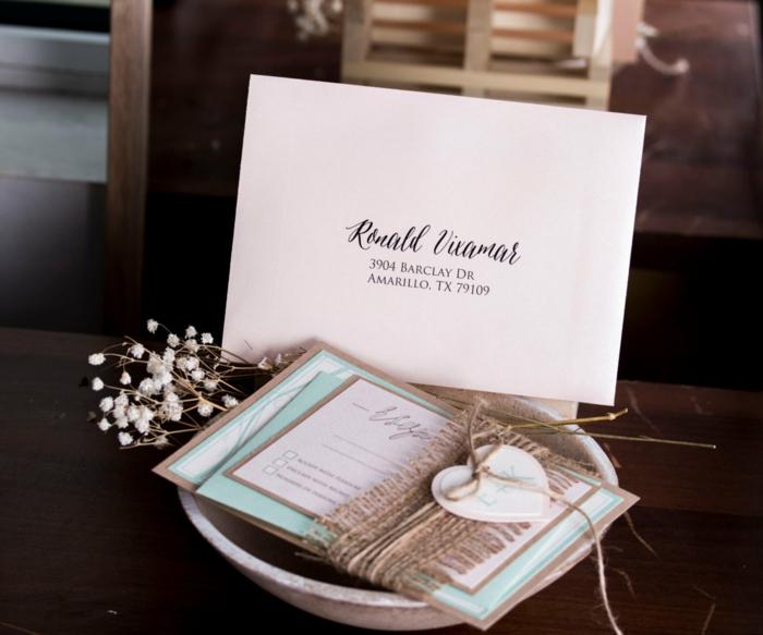 invitaciones, invitación de boda romántica en rosa y aguamarina, con corazón colgante y arpillera