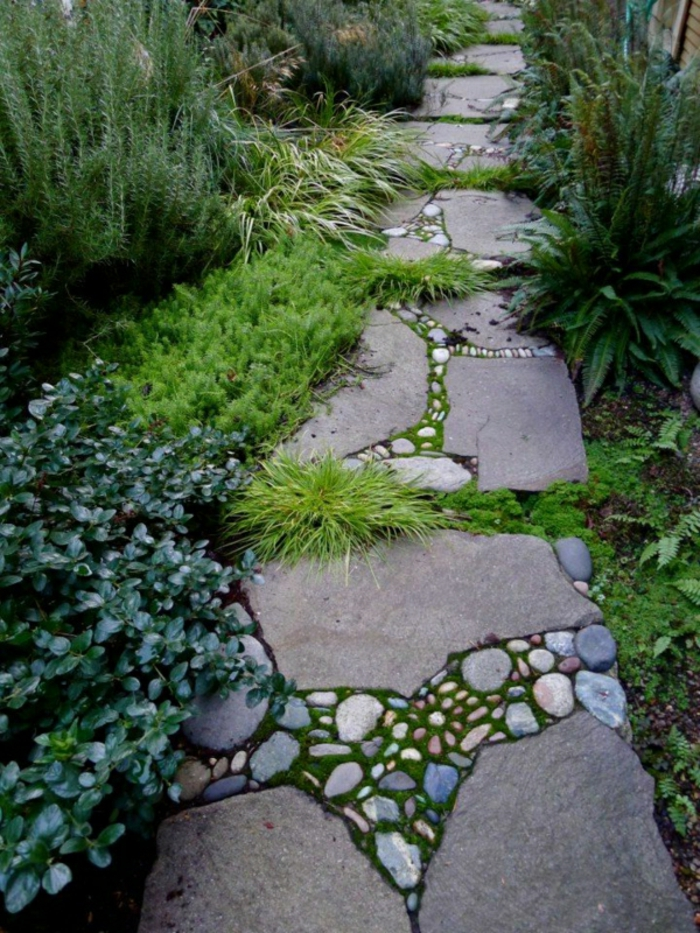 casa y jardin, como hacer un sendero de piedras, decoración preciosa para un jardín de diseño, arbusto diferentes