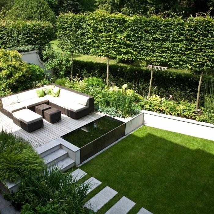 diseño de jardines, estilo minimalista moderno del patio, suelo nivelado con sendero de mármol, sofá en blanco y negro