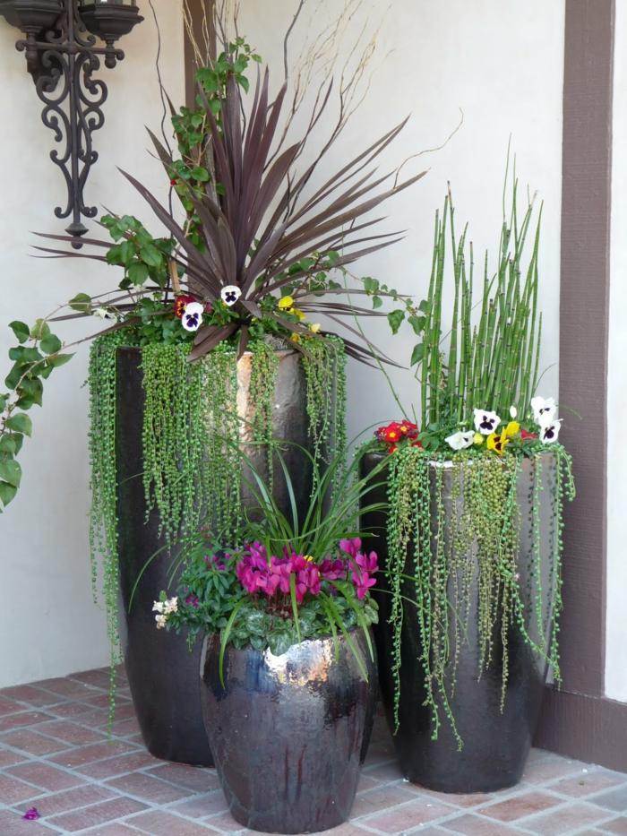 1001 ideas de decoraci n de jard n con maceteros grandes for Plantas para macetas grandes de exterior
