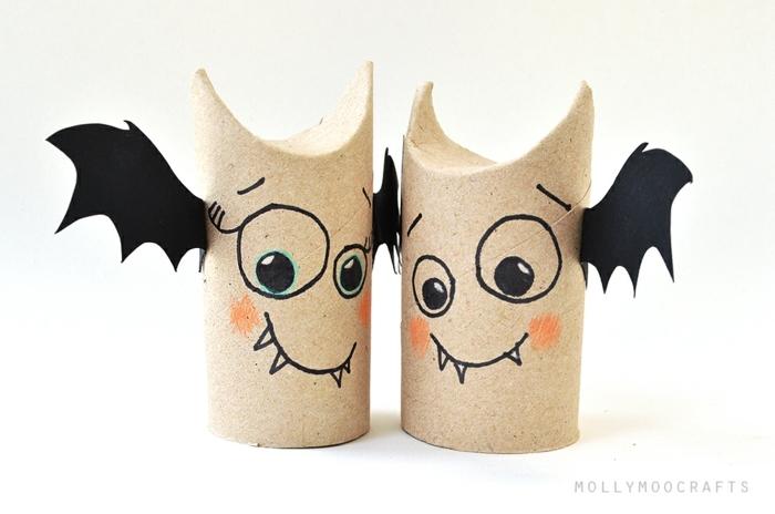 manualidades halloween para niños, cubos de cartón con alas y caras de murciélago, adornos DIY