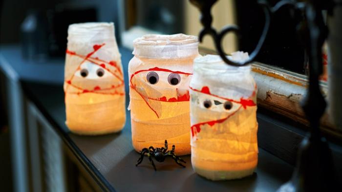 diy decoracion, frascos pequeños originales, efecto de sangriento, frascos de vidrio con ventas, araña decorativa