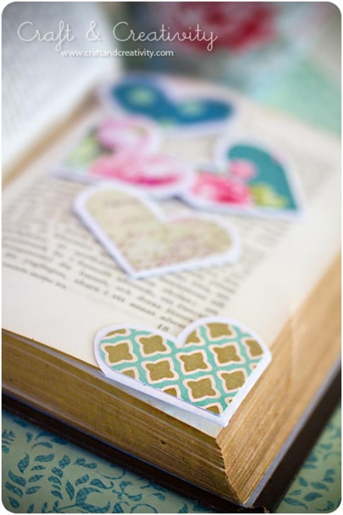 regalos originales hechos a mano, separador de libros romántico. papel en forma de corazon en diferentes colores