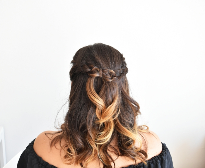 awesome affordable latest interesting trenzas laterales mujer con blusa negra y pelo ondulado ombre con trenzas laterales with trenzas media melena with - Moos Con Trenzas