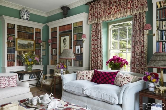 telas cortinas, propuesta con toque retro, color crema con motivos de flores en rojo y grande guardamalleta