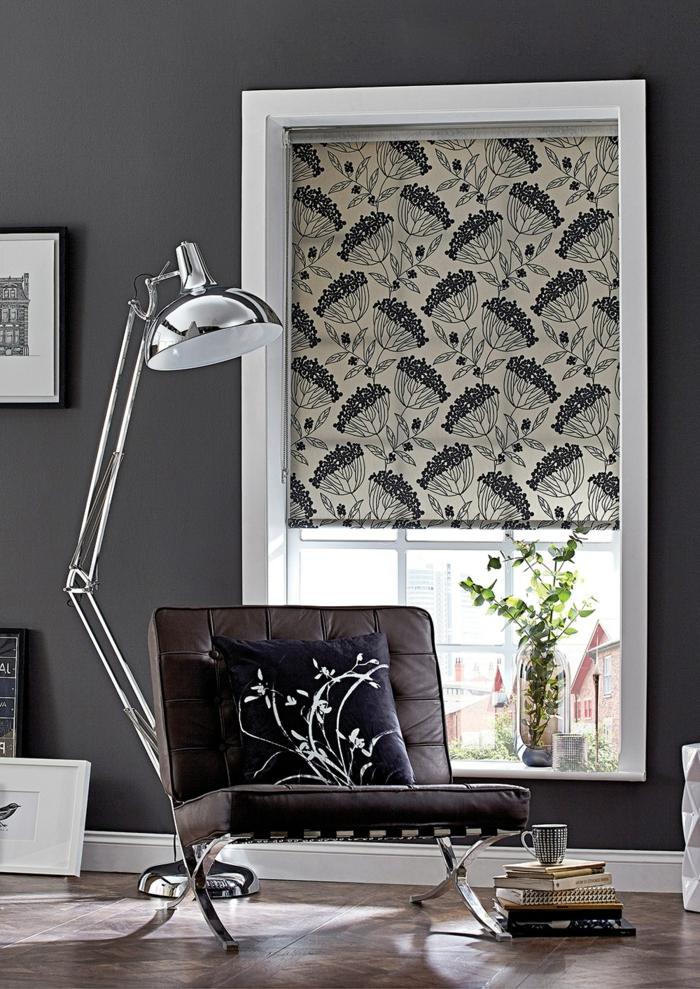 telas cortinas, ejemplo refinado de estores con motivos florales, habitación estilo industrial pintada en gris