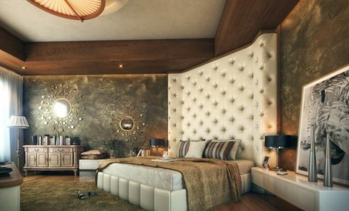 cabeceros de cama, cabezal de piel en beige que llega hasta el techo, habitación con elementos rústicos y clásicos, techo y paredes en beige verde