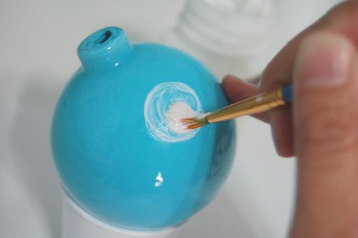 decoracion navideña casera, precioso ornamento en azul bebé con puntos de brocado, pasos para hacerlo