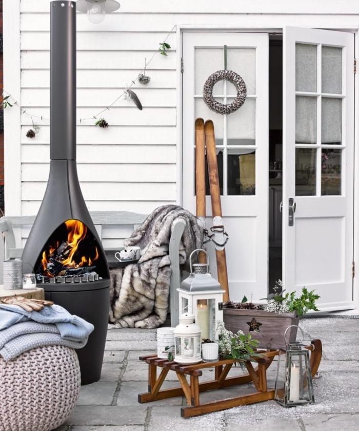 chimeneas de leña, estufa alta moderna, ideas para el porche, rincón acogedor en el patio, casa en blanco