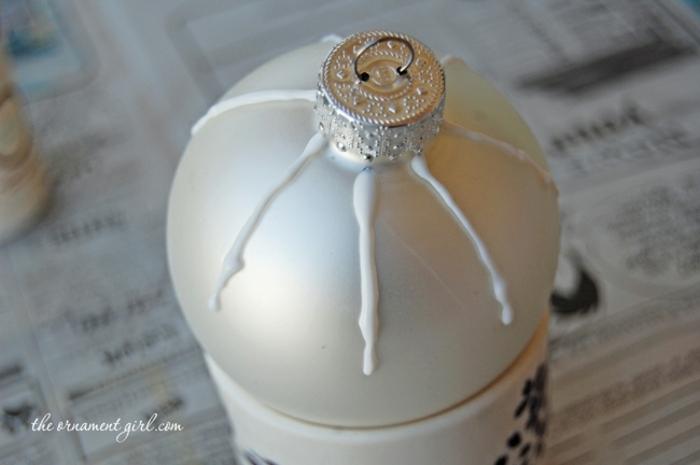 bola navidad, bola de vidrio con decoración casera, instrucciones para elaborar el adorno paso a paso