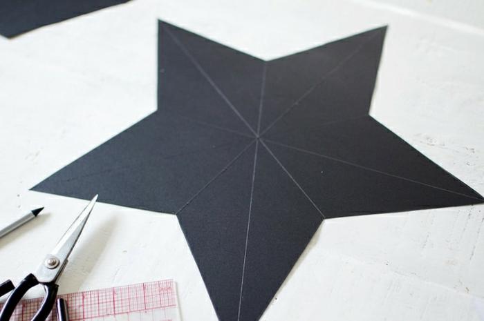 estrellas de papel, adornos navideños paso a paso, estrella con 5 puntos dividida en sectores