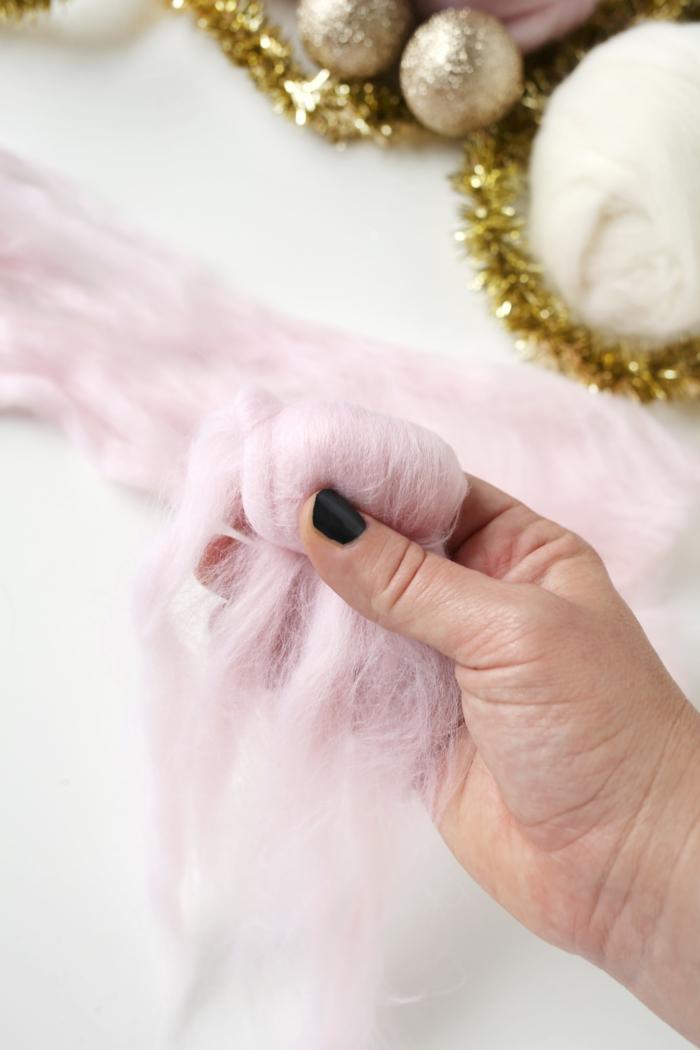 manualidades navideñas, artesanías navideñas con algodón, bolas de navidad paso a paso
