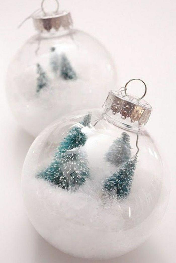 bolas navidad, bola blancas llenas de decoración, preciosa propuesta DIY para las fiestas que llegan