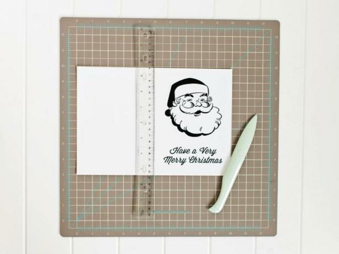 adornos de navidad caseros, ideas para hacer una tarjeta de navidad con papa noel, propuesta para los más pequeños