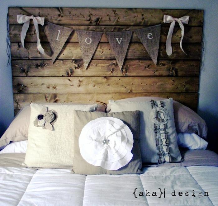 1001 ideas de cabeceros originales que pueden adornar tu - Cabeceros de cama con cojines ...