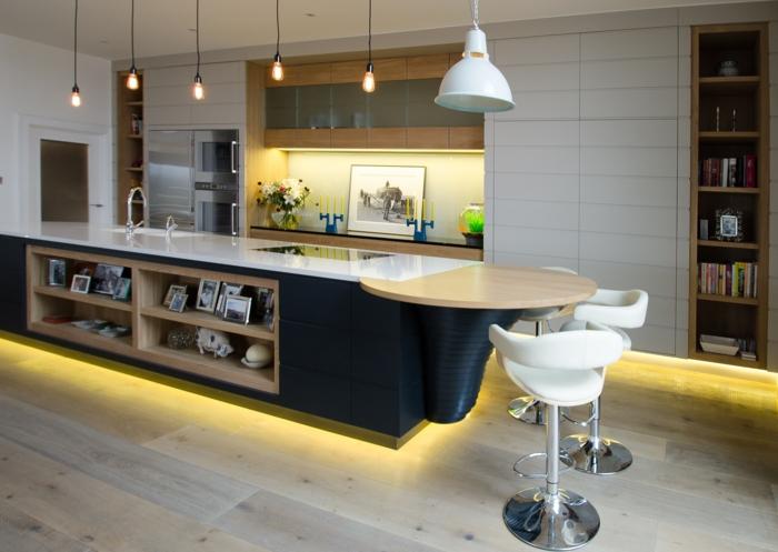 barra americana, cocina con diseño original e iluminación moderna, bombillas colgantes en estilo vintage, dos sillas de barra en blanco