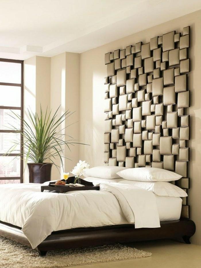 cabeceros originales, cabezal en mosaico de cuadros de diferente tamaño, color beige, habitación en estilo shabby chic