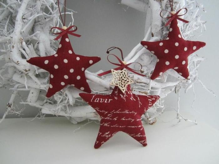 estrella de navidad, juguetes de terciopelo color rojo en forma de estrella, hermoso complemento para una corona de Navidad en blanco