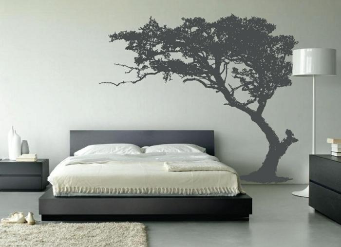 adhesivos pared, decoración de dormitorios con vinilo gris árbol grande, cama doble y alfombra